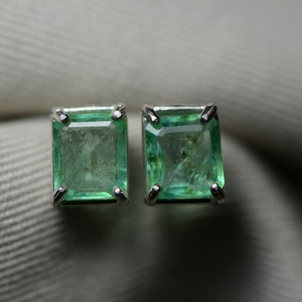 Light Green 2 59 Carat Genuine Emerald